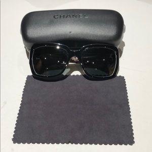 Chanel woman's sunglasses 5221 C1312/3F